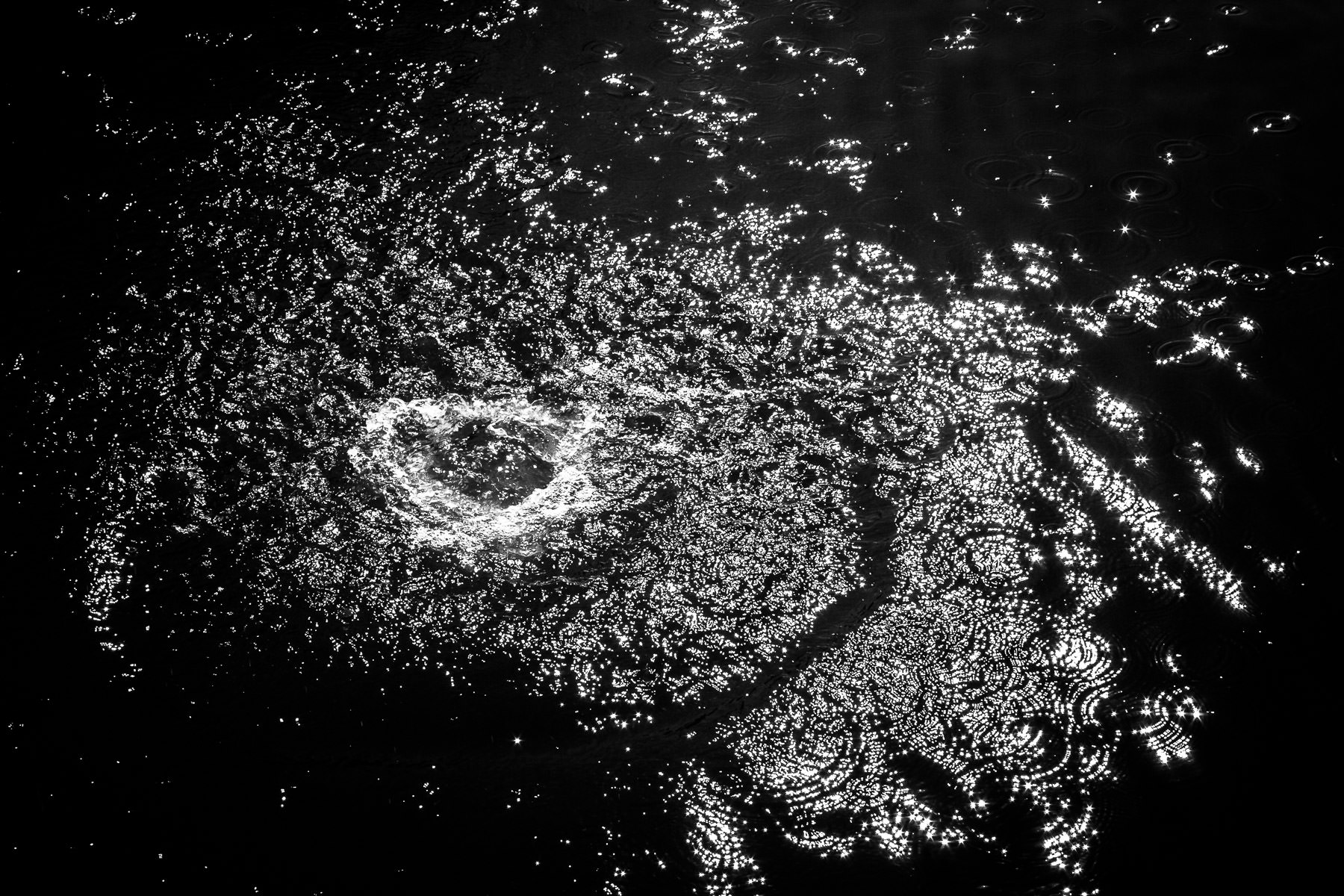 A rock splashing into Lake Mineral Wells, Texas, resembles the accretion disc of a galaxy as seen from above.