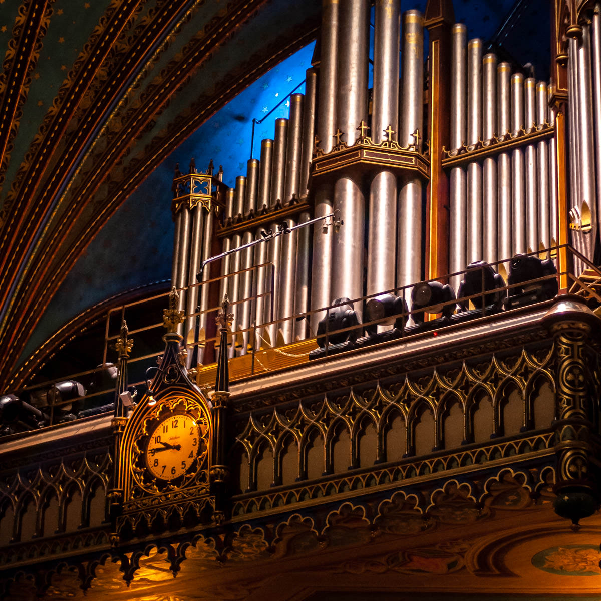Detail of the pipe organ at the Basilique Notre-Dame de Montréal.