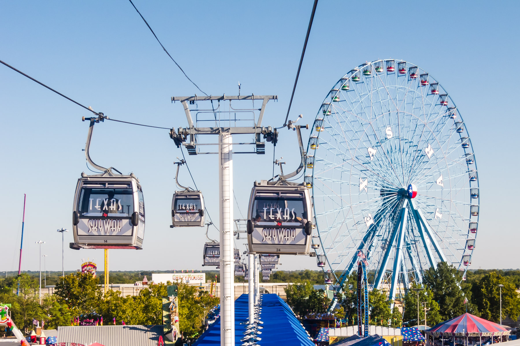 The aerial tramway at Dallas Fair Park during the State Fair of Texas.