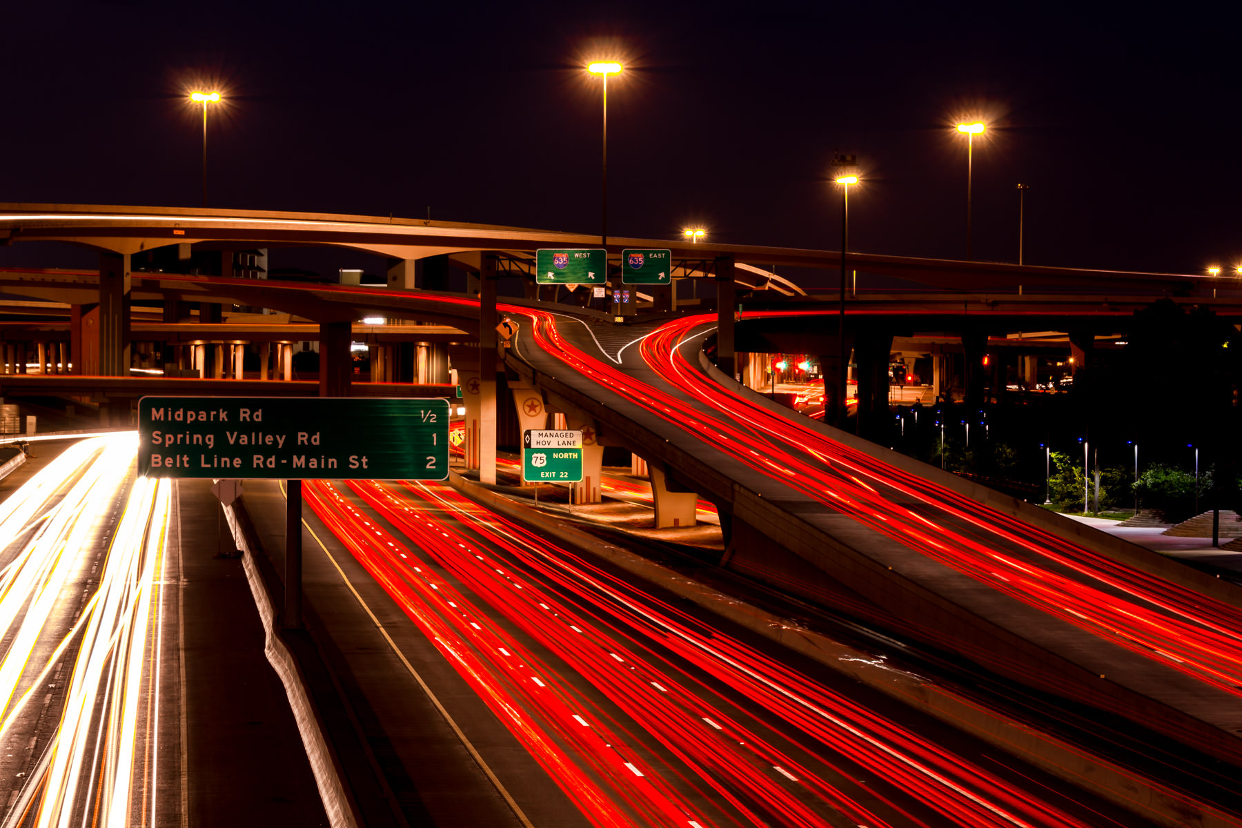 "The freeway interchange at US 75 and I-635 (known locally as the ""High Five""), Dallas, Texas."