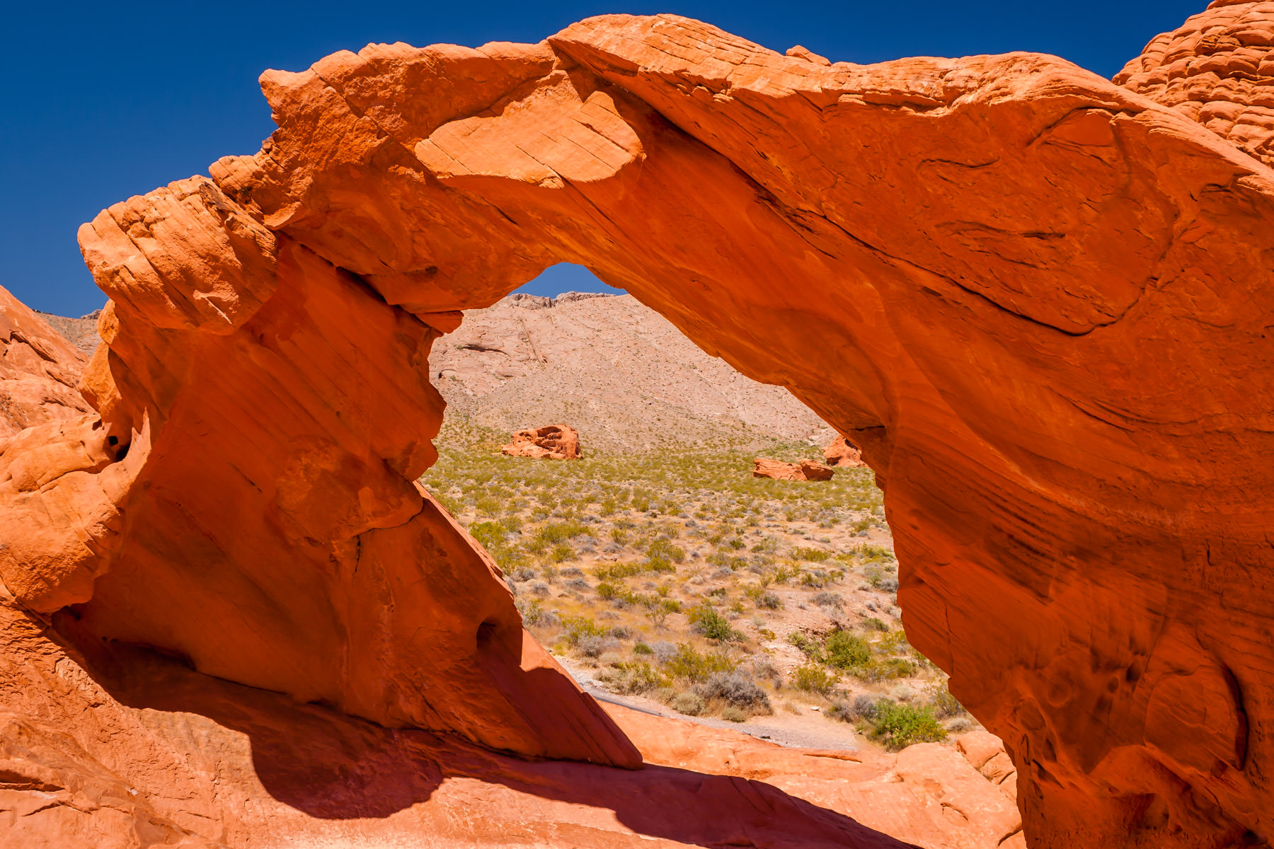A stone arch at Nevada's Valley of Fire State Park.