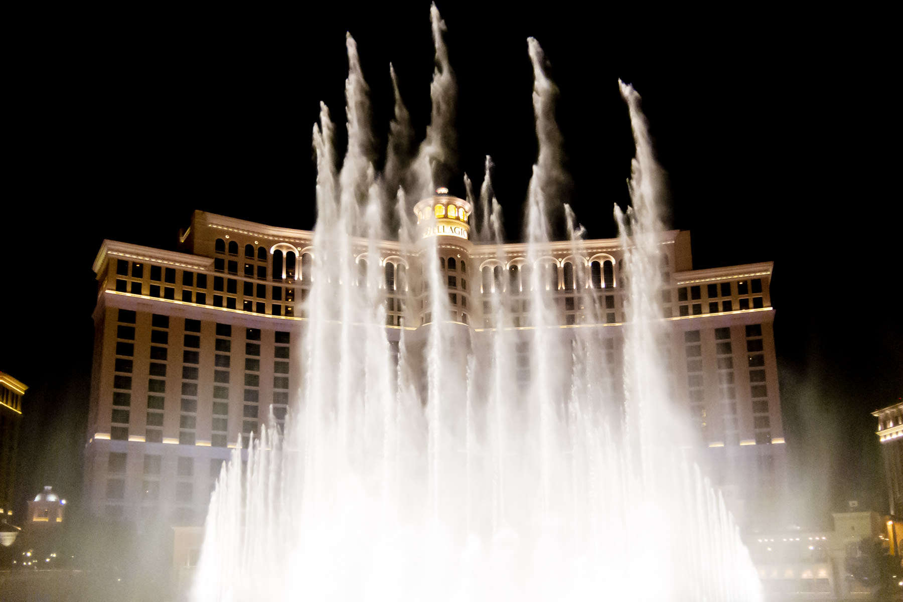 The Fountains at the Bellagio, Las Vegas, lie in an 8-acre man-made lake and consist of over 1200 computer-controlled nozzles, some of which can shoot water over 460 feet into the air.