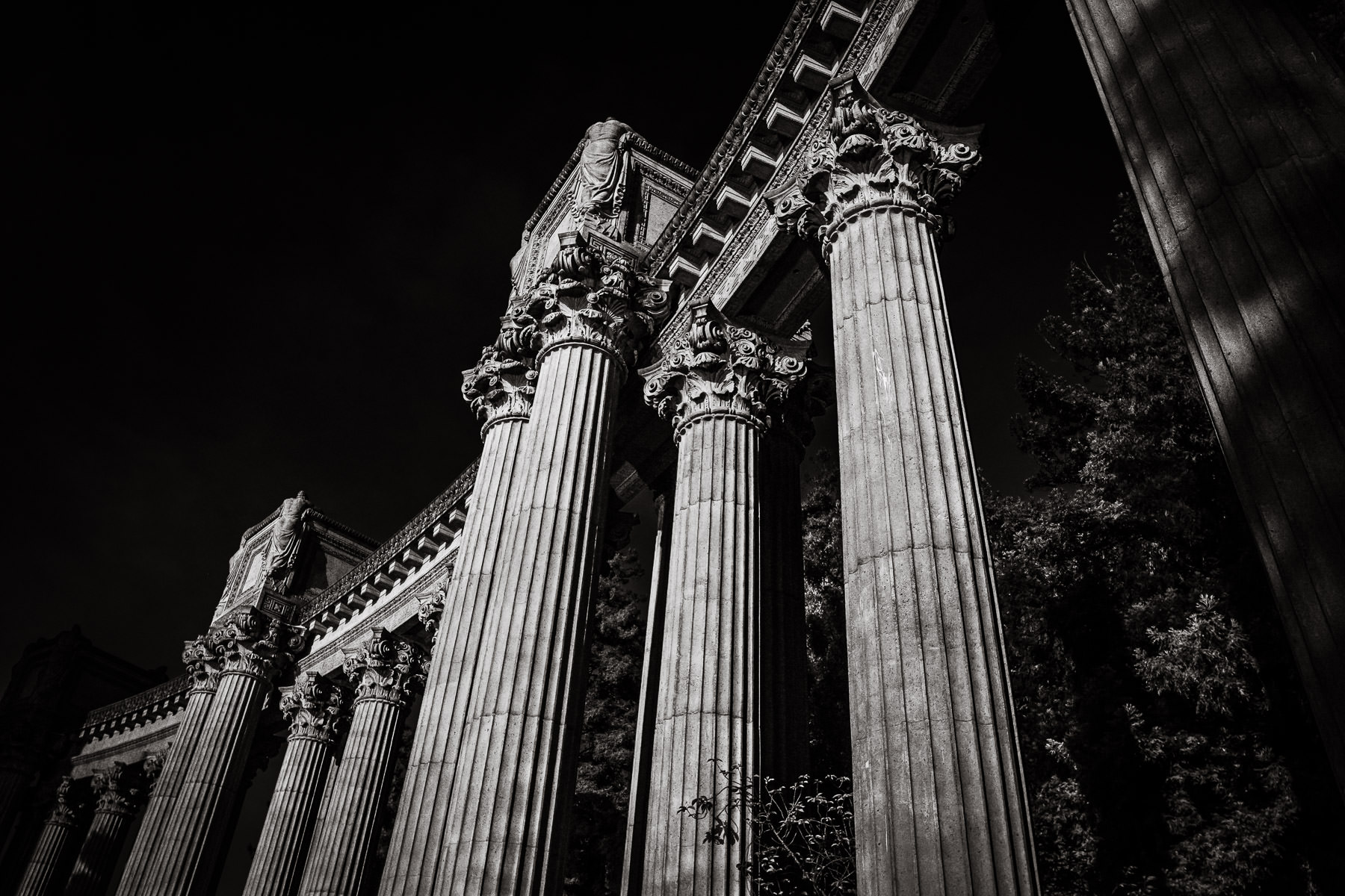 Architectural detail of columns at San Francisco's Palace of Fine Arts.