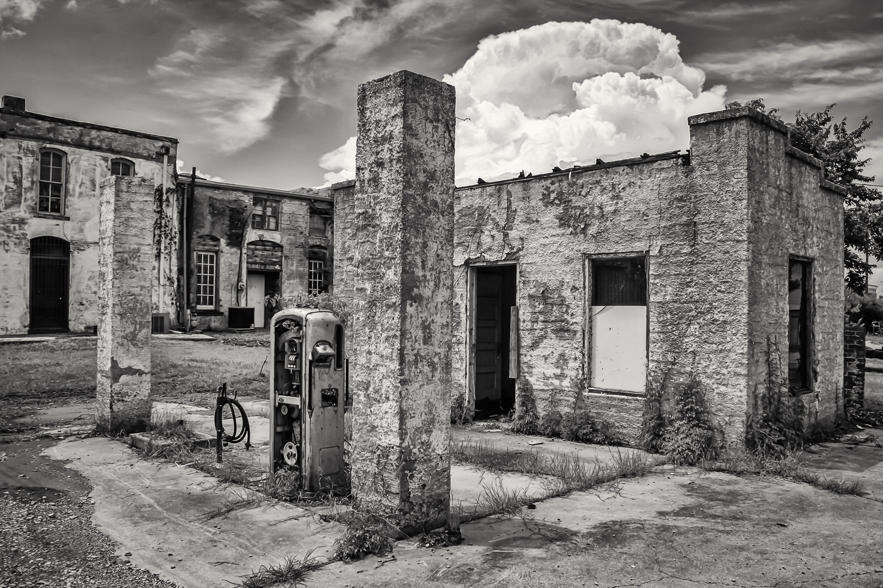 A dead gas station in the dying town of Pilot Point, Texas.