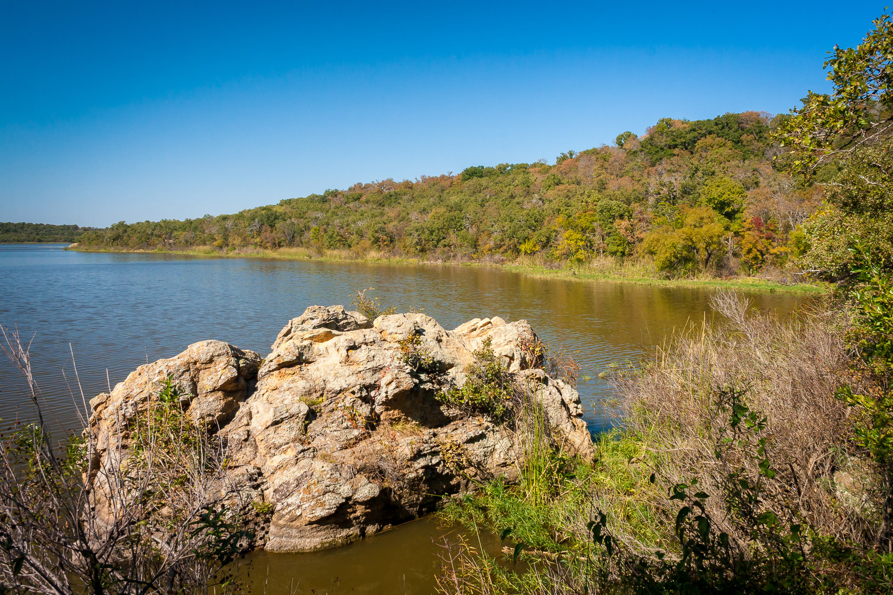 Lake Mineral Wells on a sunny Autumn day in North Central Texas.
