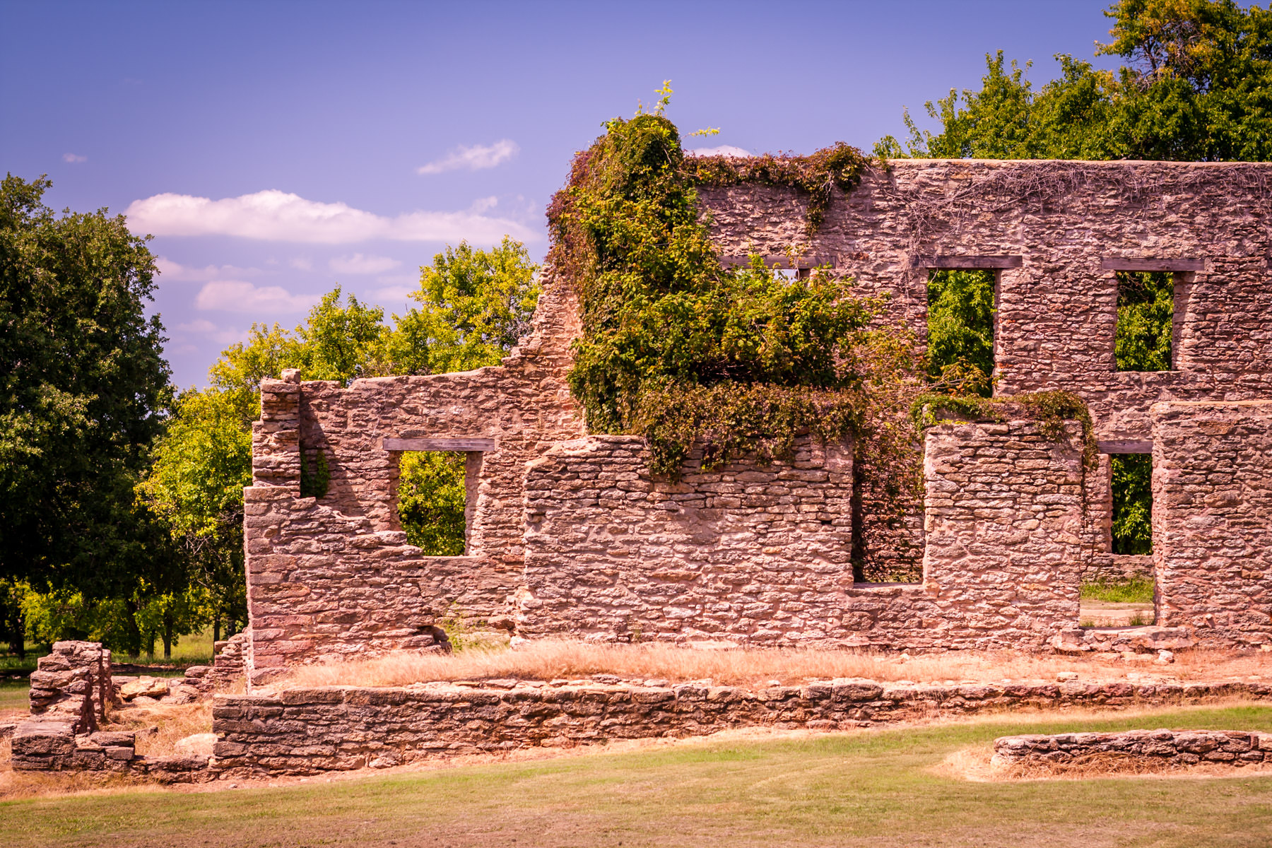 A crumbled stone building at Fort Washita, Oklahoma.