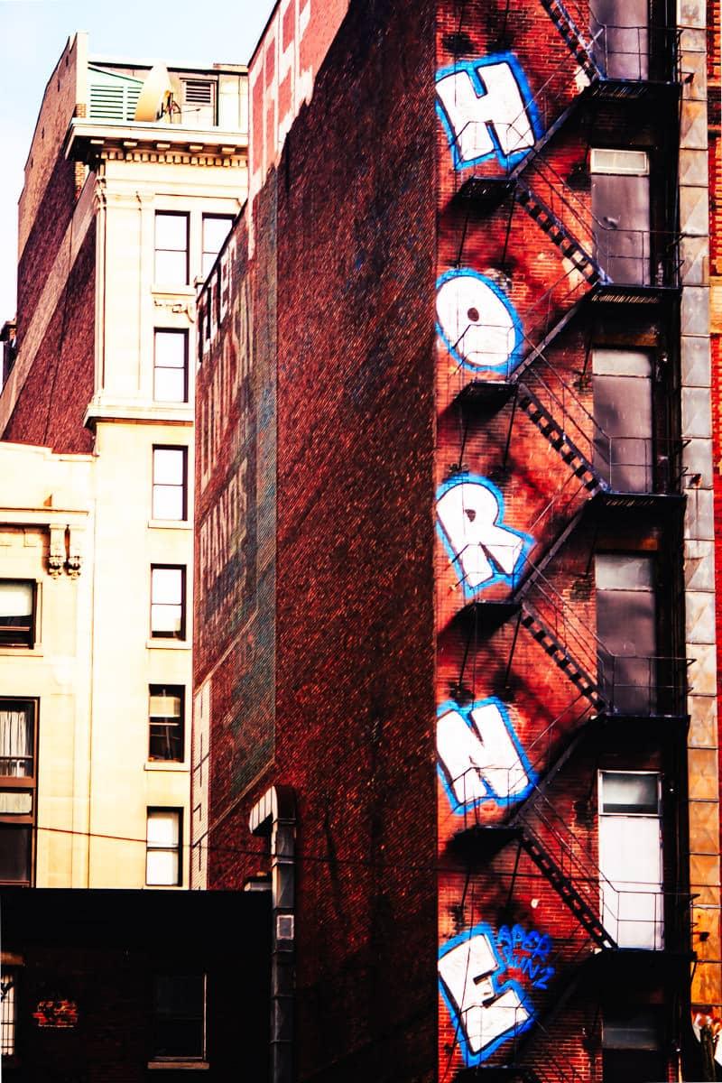 A tag from graffiti artist Horne in Montréal.
