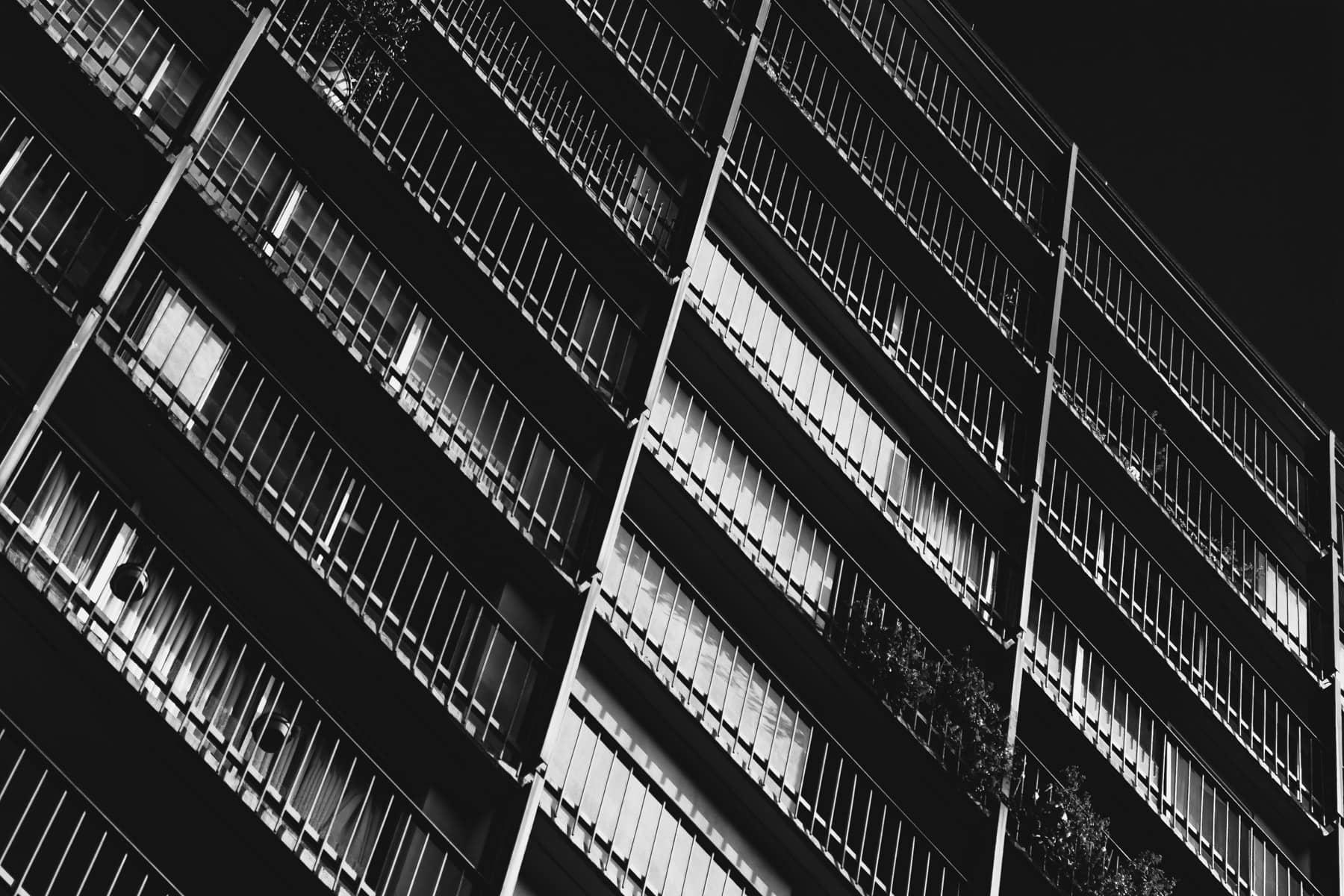 uptown dallas condo balconies