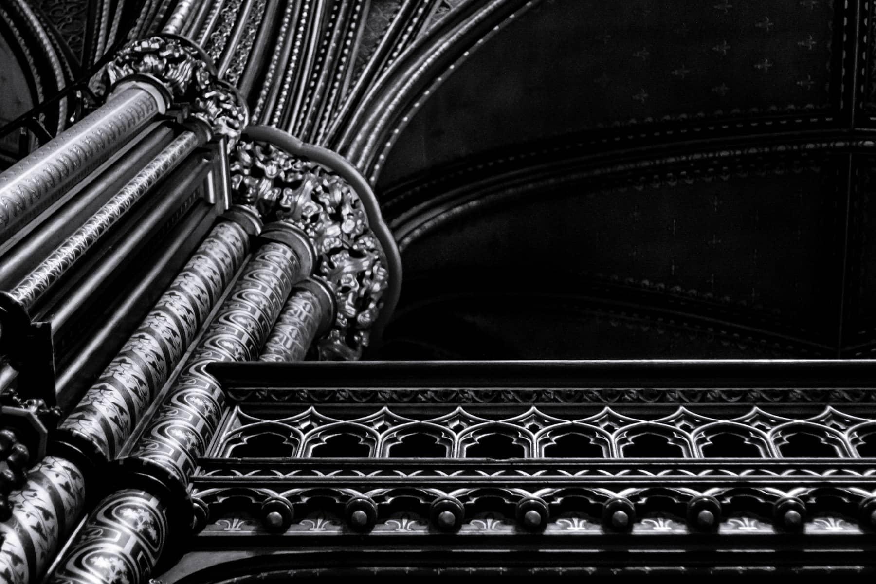 Interior detail of la basilique Notre-Dame de Montréal.