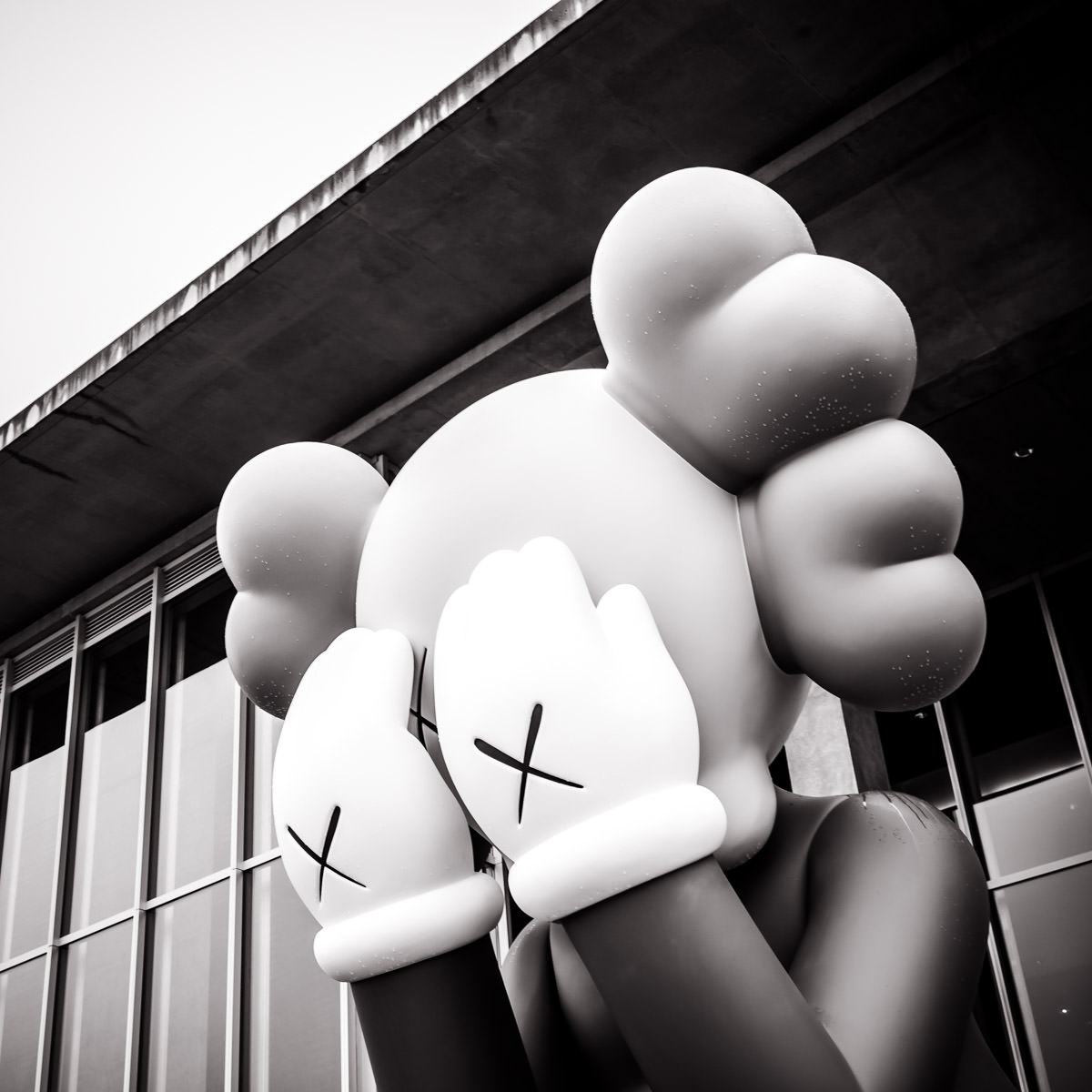 Companion (Passing Through) by American artist KAWS (Brian Donnelly), outside the Fort Worth Modern.