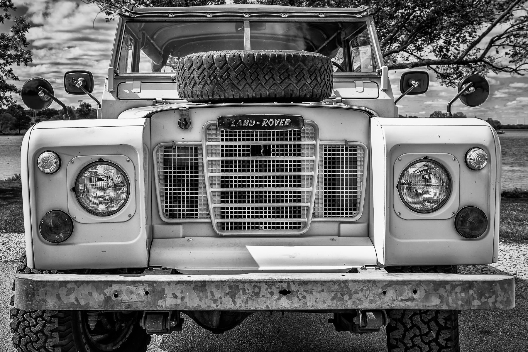 A head-on view of a Land-Rover at Dallas' All British and European Car Day.