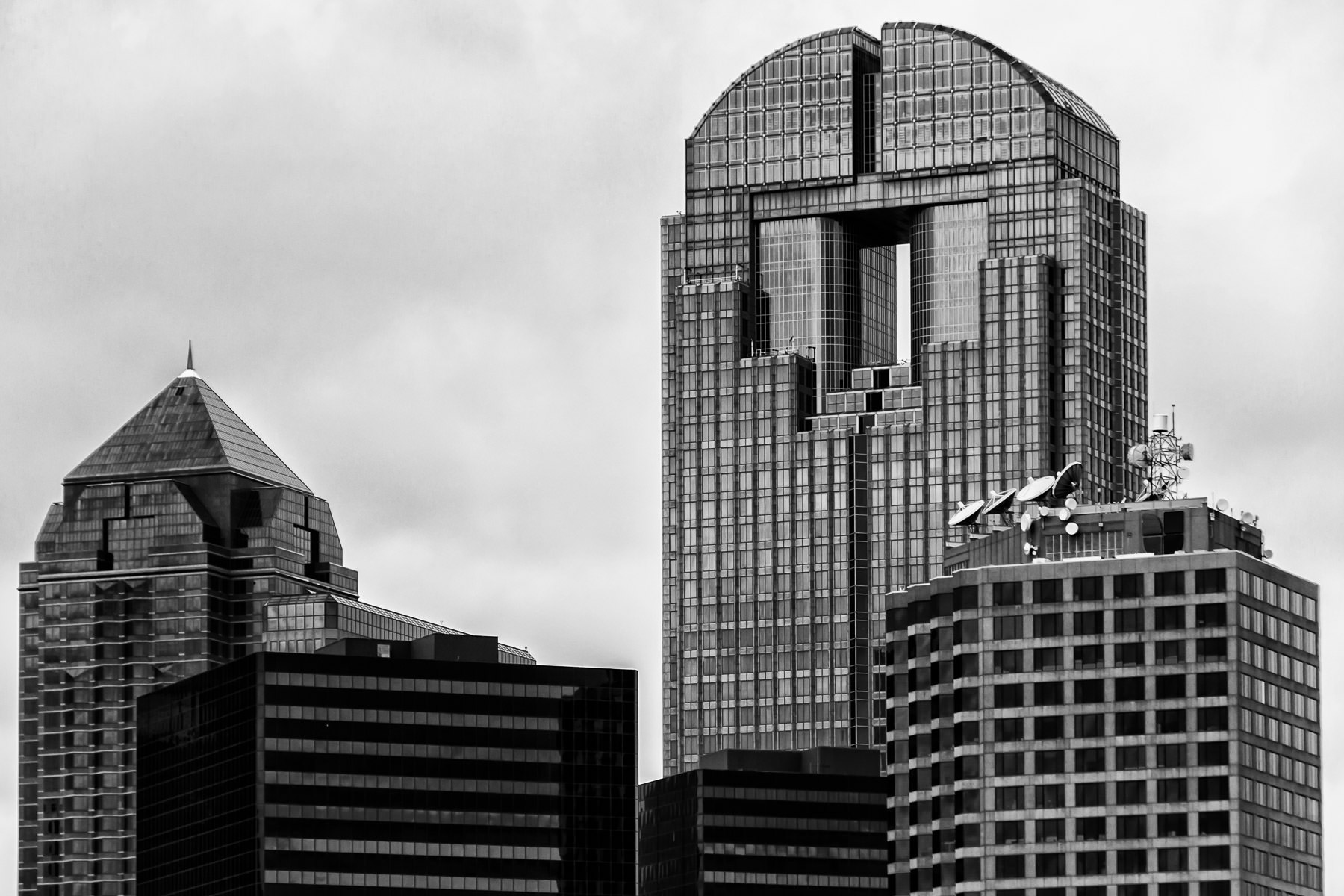 Chase Tower, the Trammell Crow Center, Univision Tower and the Plaza of the Americas rise into the sky over Downtown Dallas.