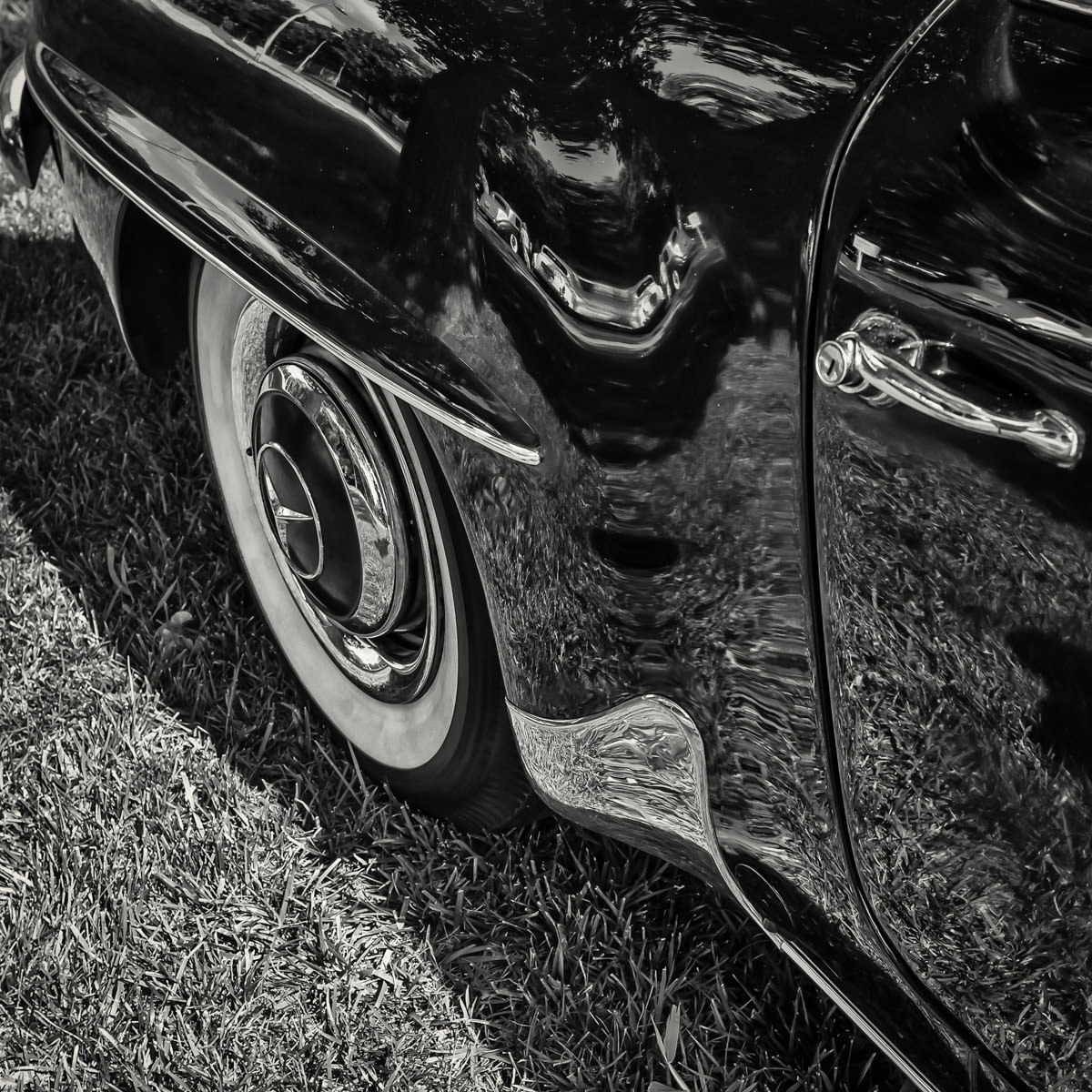 Detail of a 1957 Mercedes-Benz 190 SL at Dallas' Autos in the Park event.