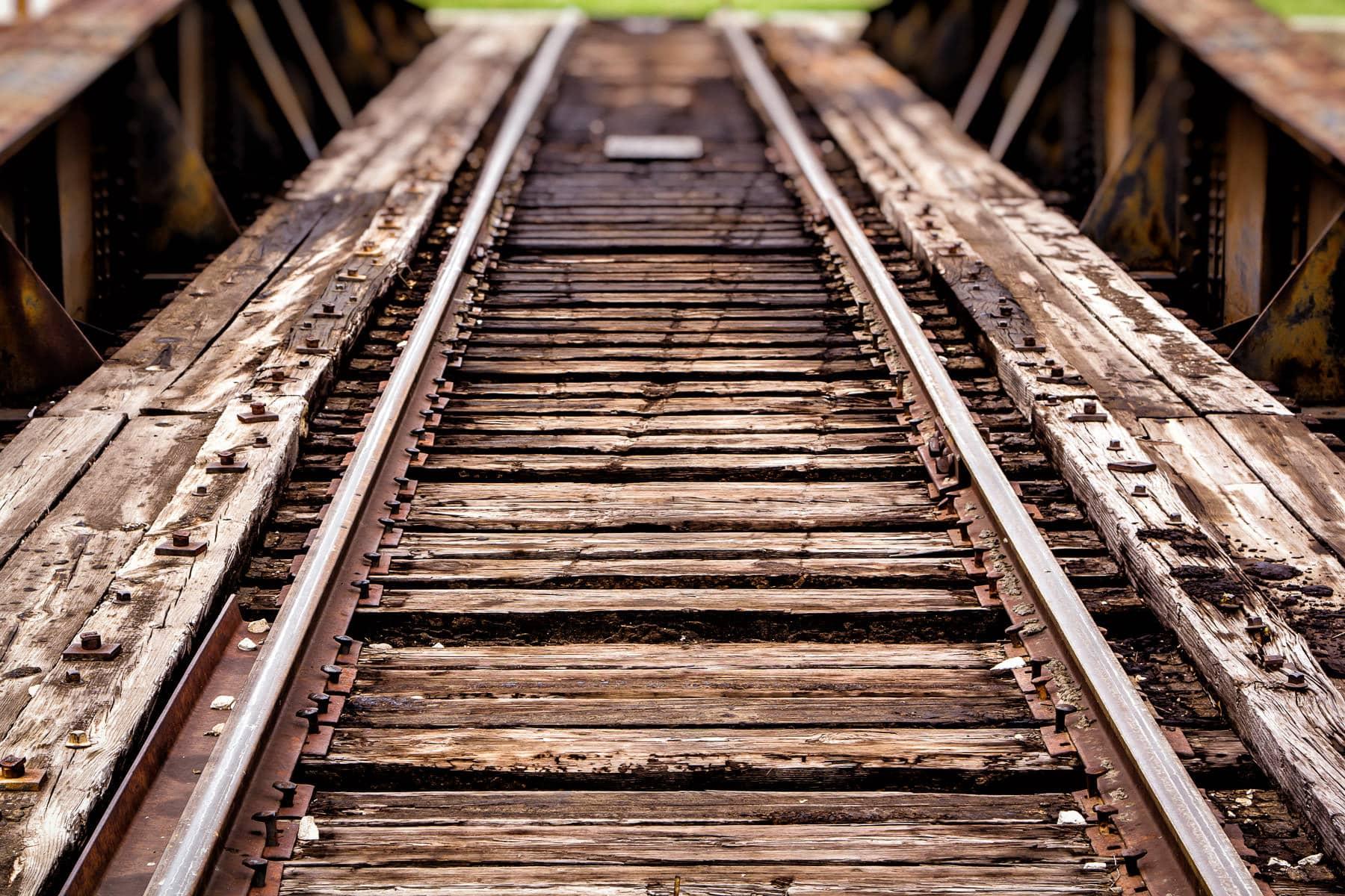 grapevine rail turntable
