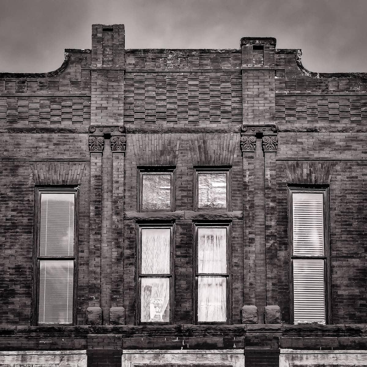 brick building waxahachie