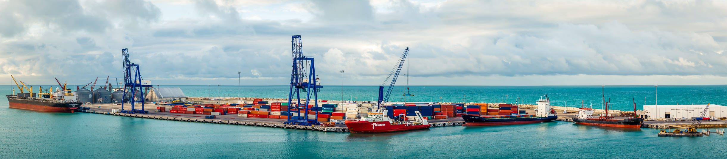 A panoramic view of the Terminal Remota—the cargo terminal for the Port of Progreso, Mexico, at the tip of a 6.5-km-long pier that reaches out into the Gulf of Mexico.