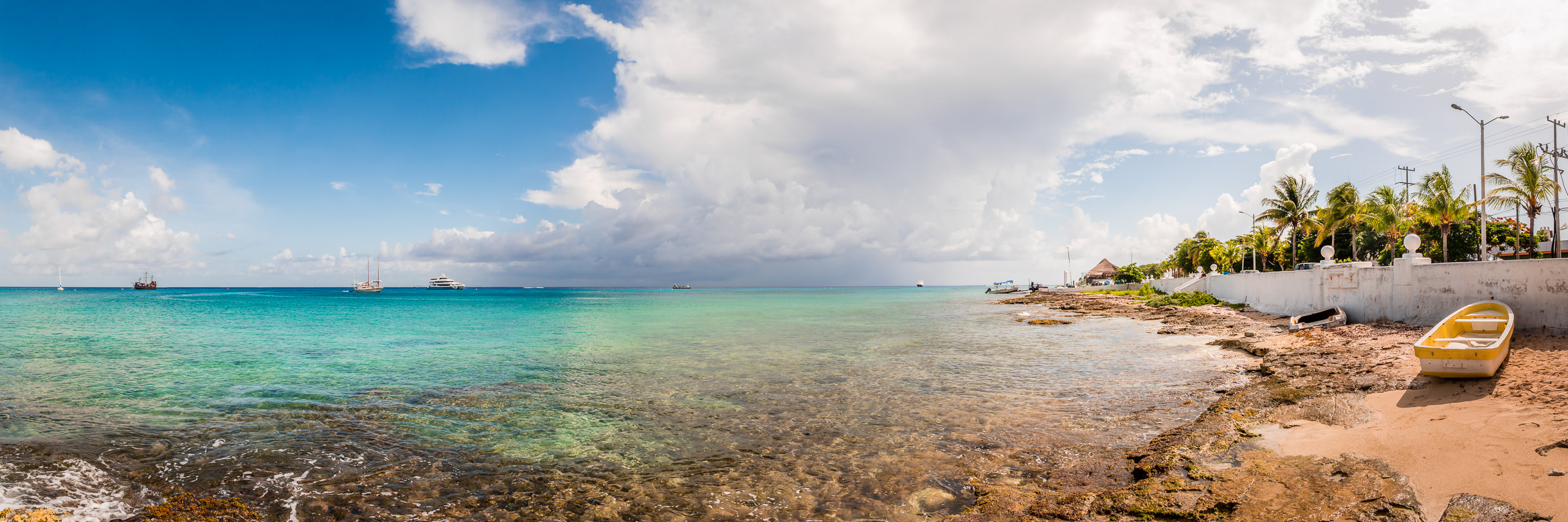 The Malecón stretches into the distance in San Miguel,Cozumel, Mexico.