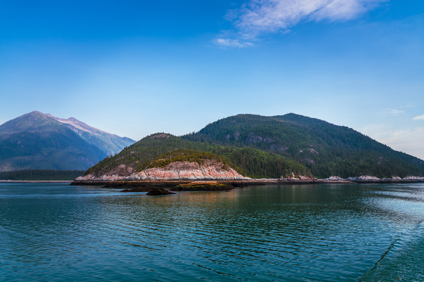 The mountainous landscape of Taiya Point, Alaska.