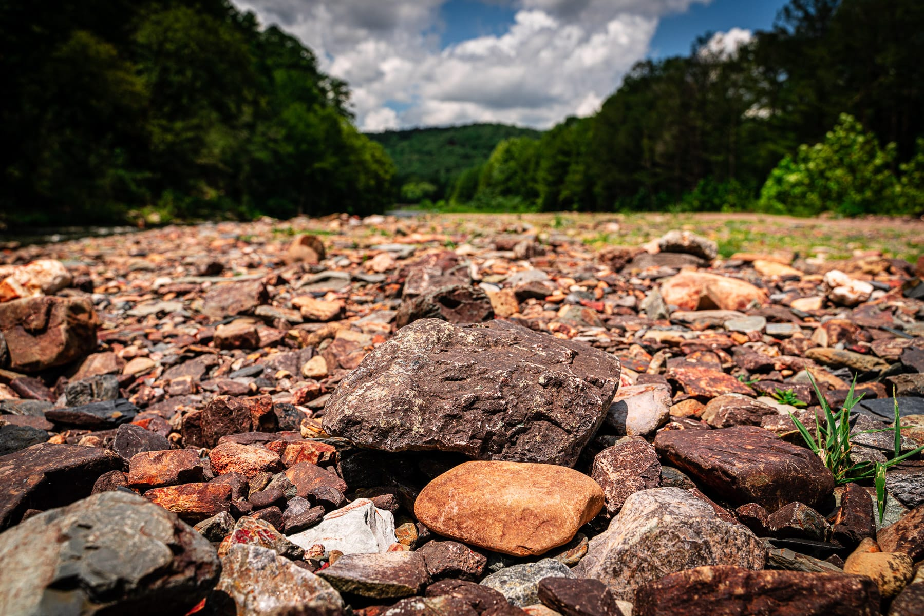 The rocky riverbed of the Mountain Fork river at Beavers Bend State Park, Oklahoma.