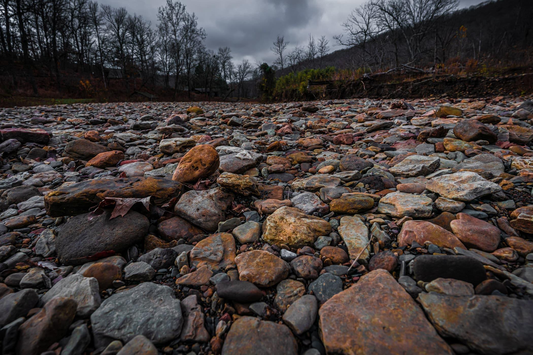 Rocks in a dry riverbed at Arkansas' Devil's Den State Park.
